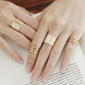 Jewelry - 🔥5 for $25🔥Adjustable gold ring set